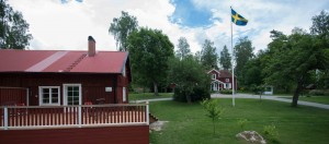 Huset till vänster är Luntängens B&B.